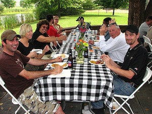 keeping employees engaged in summer with a picnic