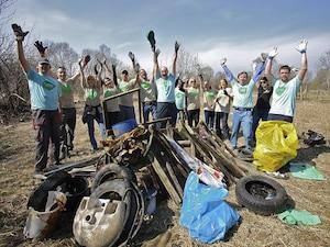 workplace volunteerism engages employees